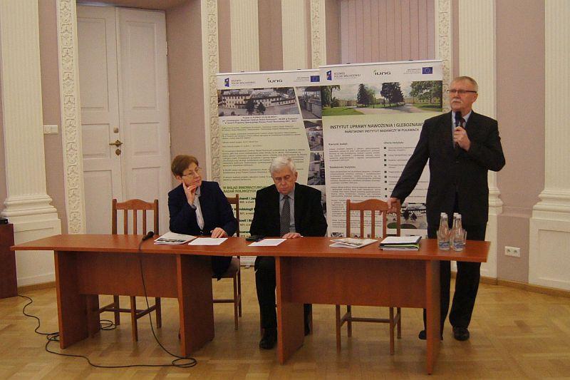 """Konferencja nt. """"Nowe wyzwania dla nauki doradztwa i praktyki rolniczej"""""""