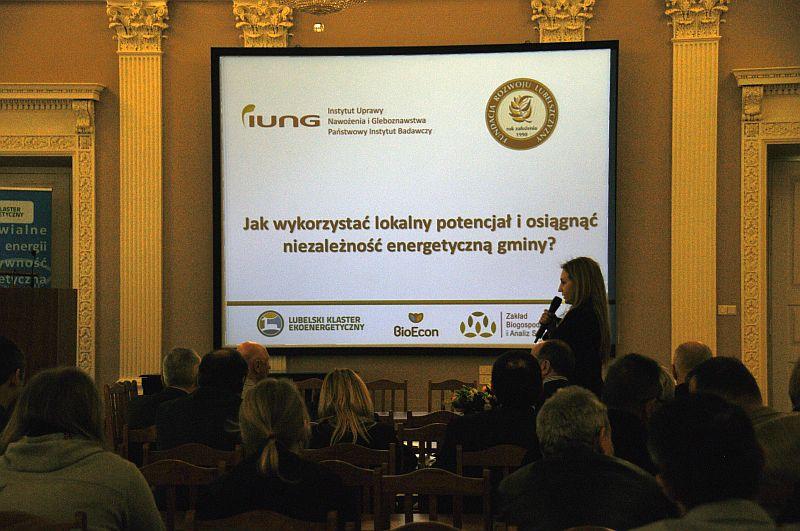 """Konferencja pt. """"Jak wykorzystać lokalny potencjał i osiągnąć niezależność energetyczną gminy"""""""