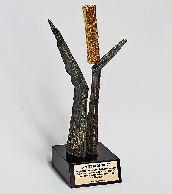 Statuetka Złoty Kłos 2017 dla IUNG-PIB ZHiTUR